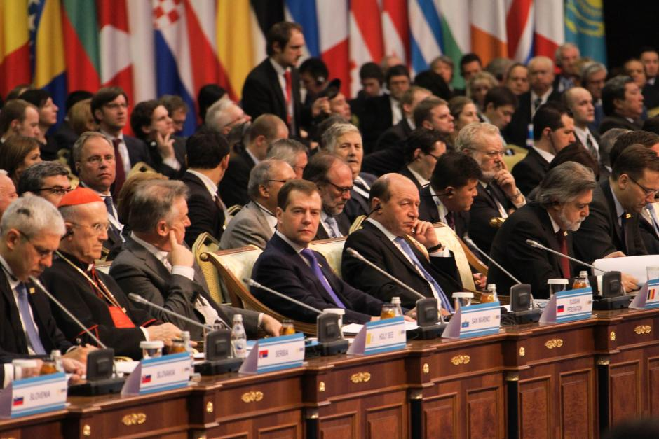 Heads of State and Government at the OSCE Summit in Astana, 1 December 2010.