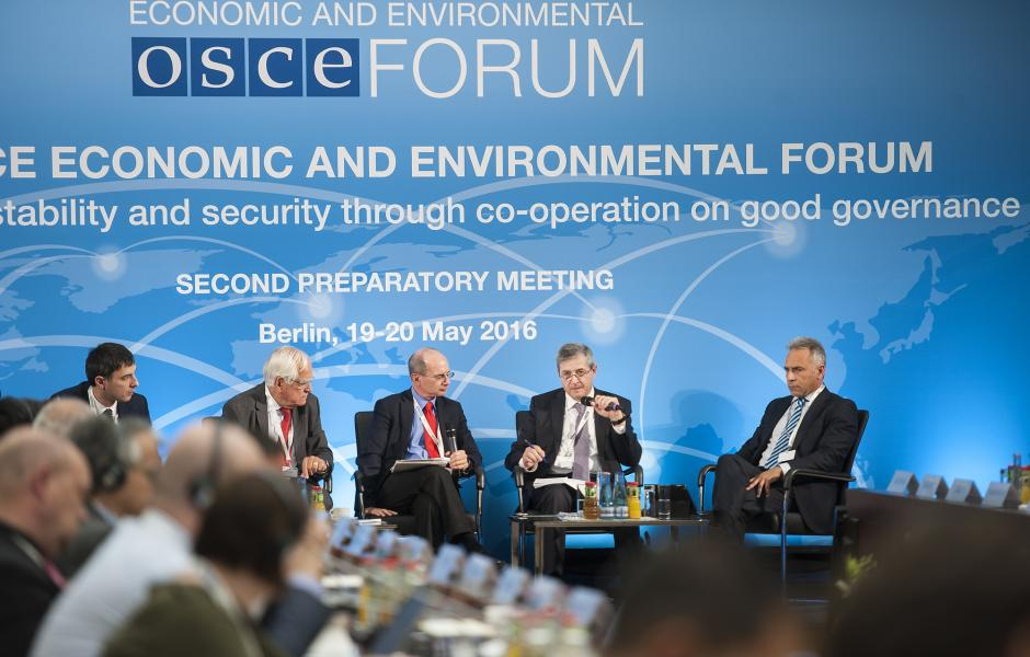 Panelists during an OSCE Economic and Environmental Forum Preparatory Meeting, Berlin, 19 May 2016.
