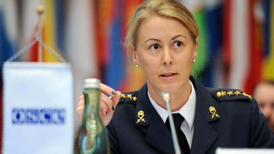 Captain Anna Björsson, gender advisor with the Swedish Armed Forces Headquarters, speaking at a joint meeting of the Forum for Security Co-operation and the Permanent Council, Vienna, 7 October 2015.