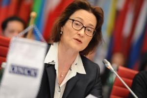 State Secretary of the Swiss Federal Department of Foreign Affairs, Pascale Baeriswyl, addresses the OSCE Forum for Security Co-operation as she opens Switzerland's Chairmanship of the Forum, Vienna, 16 January 2019. (OSCE/Micky Kroell)