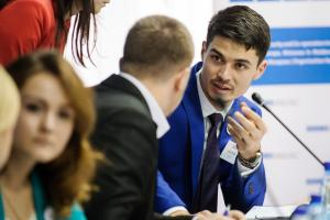 As part of the Model OSCE, students represent different OSCE participating States and institutions in a simulation of the OSCE Permanent Council during a crisis situation, Vadul lui Voda, 5 December 2015.  (OSCE/Igor Schimbator)