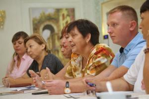 Innovation across dividing lines: combating domestic violence in the Republic of Moldova