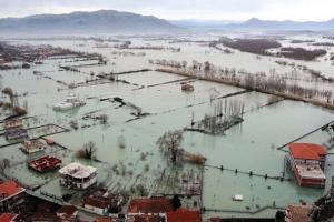 Flooding in the Novosela commune near Vlore, Albania, January 2016. (Robert Murataj)