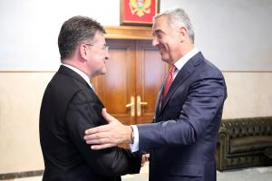 President of Montenegro, Milo Đukanović (r) greets the OSCE Chairperson-in-Office and Slovakia's Foreign and European Affairs Minister Miroslav Lajčák, Podgorica, 8 May 2019. (OSCE/Tomas Bokor)