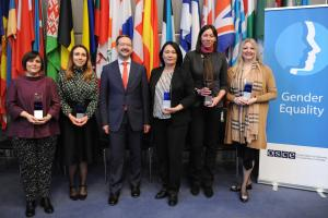 Winners of the OSCE Gender Champions Award recognized for their contribution in advancing gender equality and OSCE Secretary General Thomas Greminger, 12 March 2020, Vienna. (OSCE/Micky Kroell)