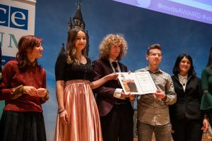 High school students from Jajce, Bosnia and Herzegovina, receiving the Max van der Stoel Award at the event to present the Award and to mark the 25th Anniversary of the OSCE High Commissioner on National Minorities, 9 November 2018, The Hague.  (OSCE/Arnaud Roelofsz)