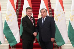 President of Tajikistan Emomali Rahmon (r) and OSCE Chairperson-in-Office and Slovakia's Foreign and European Affairs Minister Miroslav Lajčák in Dushanbe, 21 May 2019.  (Photo/Press service of President of Republic of Tajikistan  )