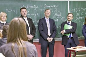 The OSCE Secretary General Thomas Greminger (r) and the OSCE Mission to Bosnia and Herzegovina Head, Bruce G. Berton during the visit to the secondary school Vitez; Vitez, Bosnia and Herzegovina, 20 February 2018. (OSCE/Vedran Pribilovic)