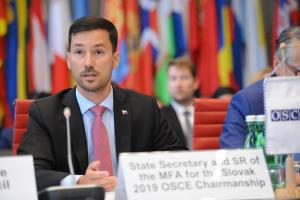 Slovakia's Foreign and European Affairs State Secretary Lukáš Parízek addresses the OSCE Permanent Council on his country's Chairmanship priority areas for 2019, Vienna, 19 July 2018. (OSCE/Micky Kroell)