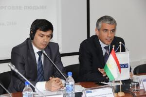Jonibek Kholikzoda, Secretary of Inter-Ministerial Commission for Combating Trafficking in Persons (l) and Fabio Piana, Deputy Head of the OSCE Office in Tajikistan (r), speaking at a high-level dialogue on countering trafficking in human beings, Dushanbe, 24 May 2016.  (OSCE/Munira Shoinbekova)