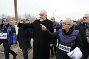 OSCE Chairperson-in-Office, Prime Minister and Minister for Europe and Foreign Affairs of Albania, Edi Rama, in Stanytsia Luhanska, 21 January 2020. (OSCE/Evgeniy Maloletka)