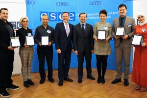 Young entrepreneurs from six Mediterranean countries receive the OSCE Award for green and social entrepreneurship, Vienna, 26 April 2018. (OSCE/Micky Kroell)