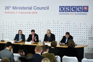 (l-r) OSCE Secretary General Thomas Greminger, Miroslav Lajčák, Chairperson-in-Office and Slovakia's Foreign and European Affairs Minister, Edi Rama, Prime Minister of Albania during the final press conference, 26th OSCE Ministerial Council, Bratislava, 6 December 2019. (OSCE)