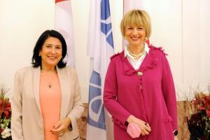 OSCE Secretary General Helga Maria Schmid and President of Georgia Salome Zourabichvili, Vienna, 13 October 2021. (OSCE/Micky Kroell )