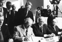 Am 1. August 1975 begann in der finnischen Hauptstadt Helsinki ein Unterfangen, dessen Verwirklichung 40 Jahre in Anspruch nehmen sollte: die Schaffung eines umfassenden und inklusiven Rahmens für Sicherheit und Zusammenarbeit in Europa...