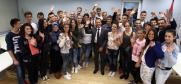 The Head of the OSCE Mission to Serbia, Ambassador Peter Burkhard with students representing the Union of High School Councils from Novi Pazar,  Novi Pazar, 22 September 2015.  (OSCE)