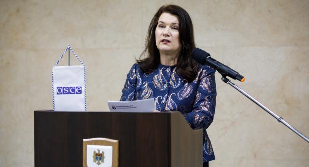 Ann Linde, OSCE Chairperson-in-Office and Swedish Minister for Foreign Affairs, briefing the press on the outcomes of her visit to the Republic of Moldova, 17 February, Chisinau. (OSCE/Igor Schimbator)