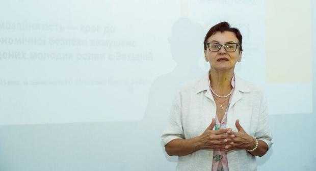 Посилення ролі жінок у процесі врегулювання конфлікту та встановлення миру є важливим для забезпечення безпеки і стабільності в Україні.