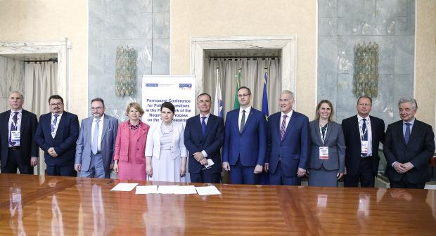 Representatives of the Sides, Mediators and Observers during the meeting of the 5+2 talks on the Transdniestrian Settlement Process, Rome, 30 May 2018. (OSCE)