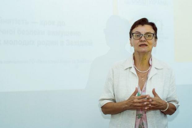 Олена Черенкова, ВПО з Луганська, розповідає про свій життєвий досвід та власні досягнення у подоланні гендерних стереотипів у роботі. (Ганна Чекан)
